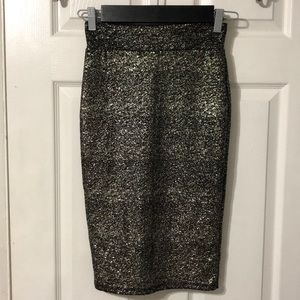 Windsor pencil skirt